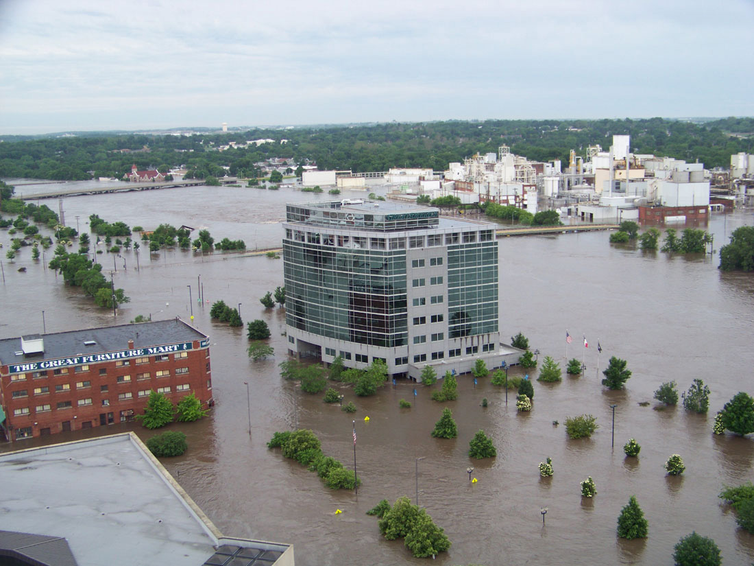 2008 Cedar Rapids Flood downtown Great America Building