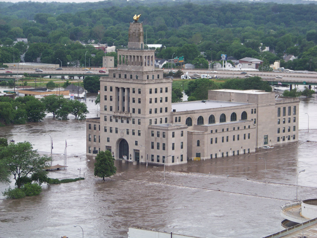 2008 Cedar Rapids Flood downtown Island